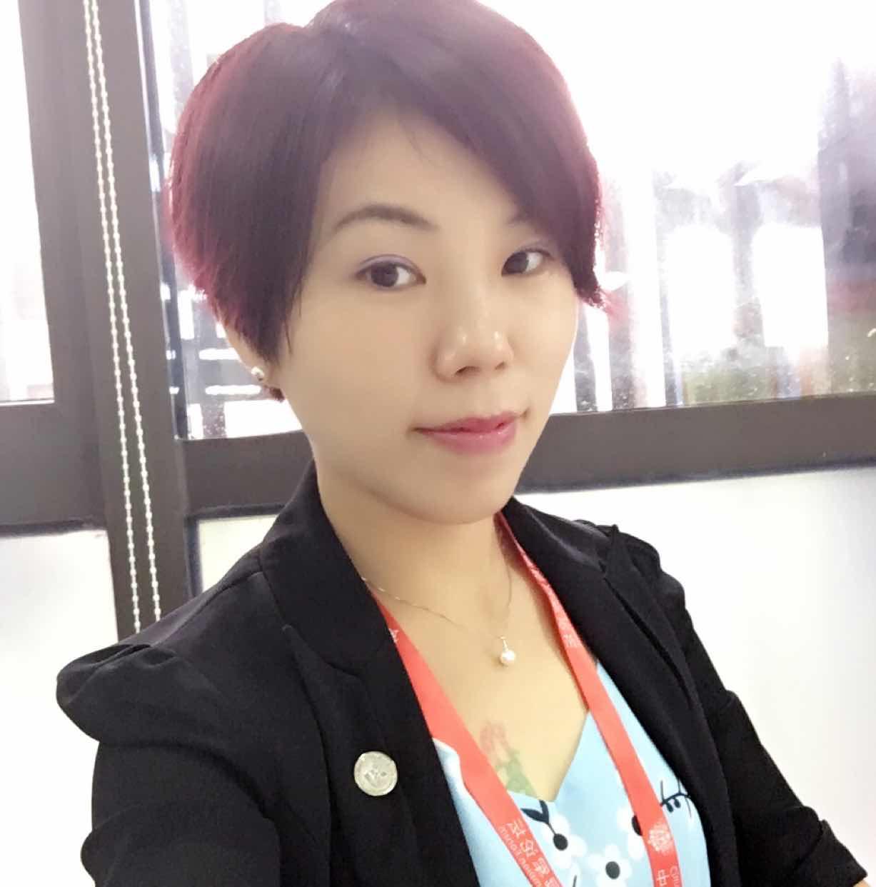 广东深圳平安保险代理人黄霞的个人名片