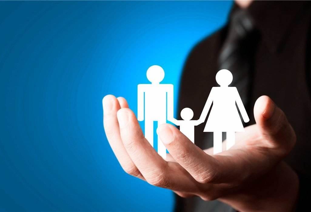 家庭中的顶梁柱怎么买保险,这样买保险最划算