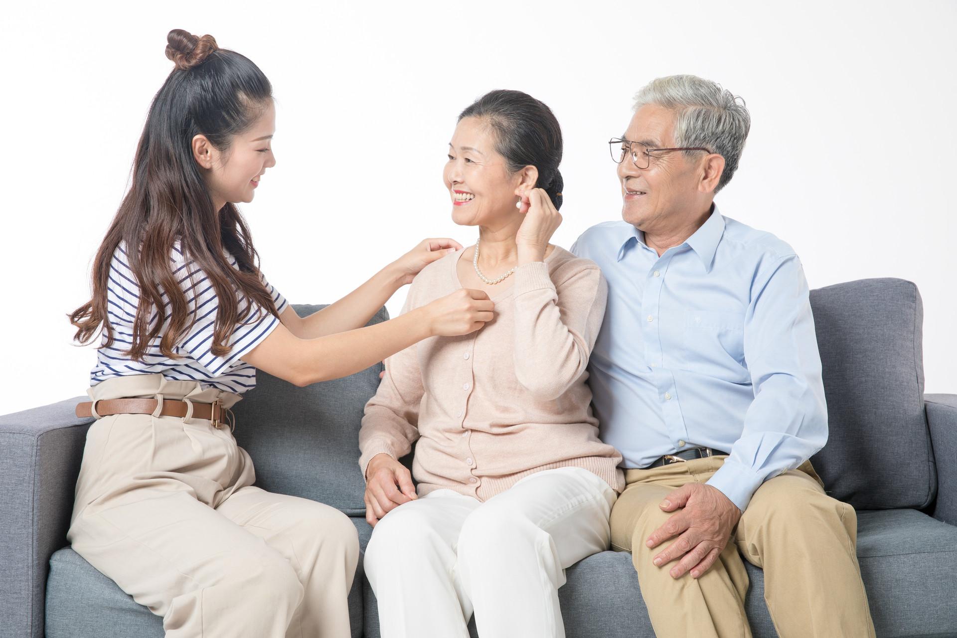 给爸妈买保险、一定要提前买,为爸妈买保险指南了解一下
