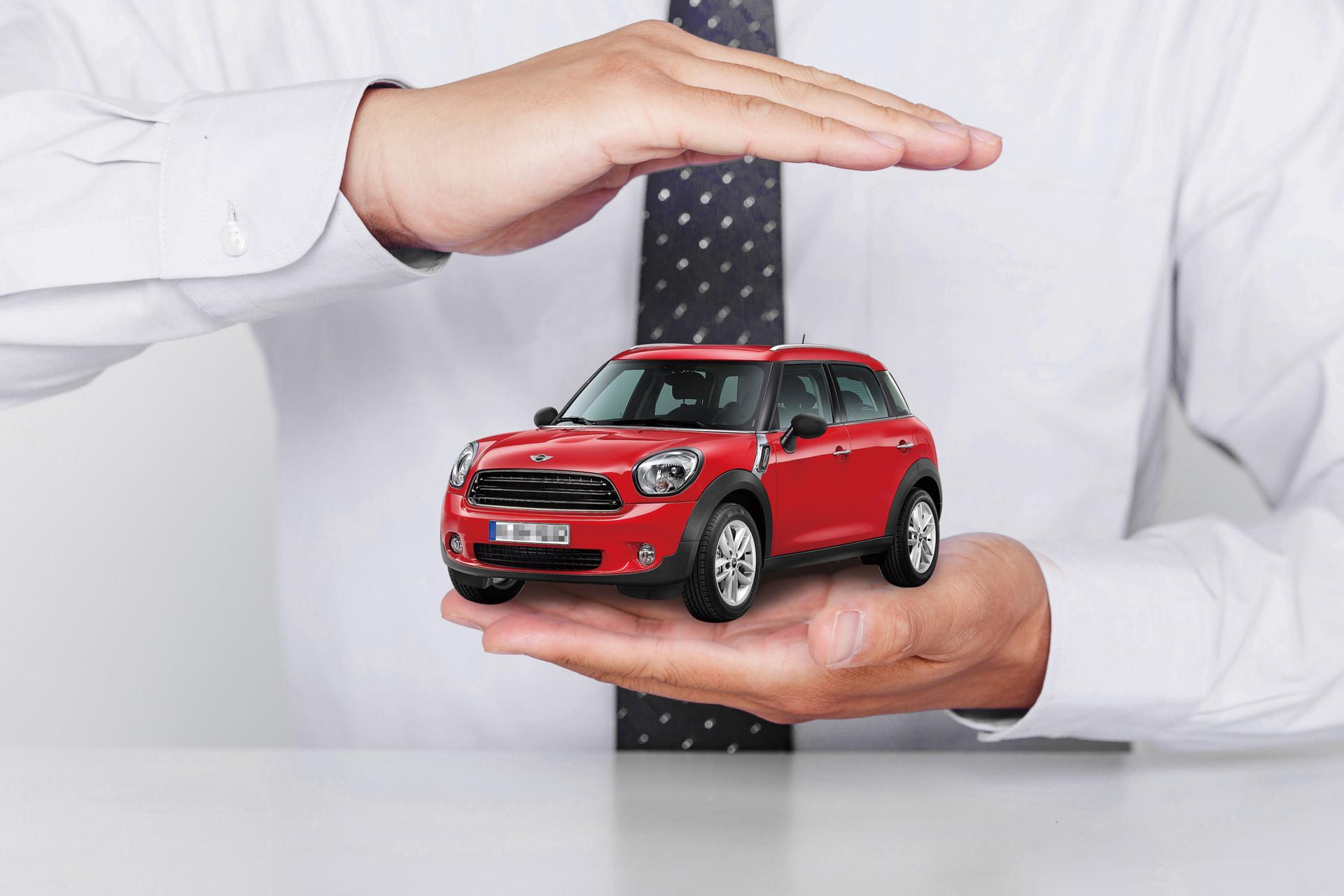 第三年万博manbetx手机客户端怎么买,第三年购买汽车保险的方案