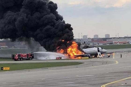 客机紧急降落时起火,已致41人遇难:世上除了生死,都是小事