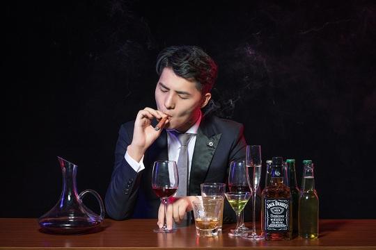喝酒抽烟对买保险有影响?专业人士来告诉你
