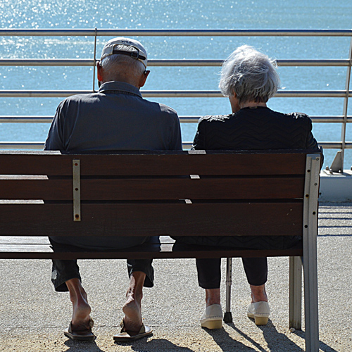 老年人意外险有什么用?怎么购买?有什么注意事项?