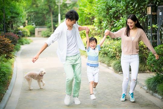 上有老下有小,90后三口之家保险怎么配置?