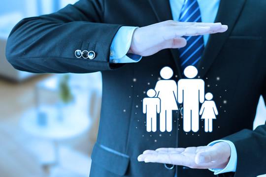 小康家庭收入平民要怎样选保险合适?要怎么搭配?
