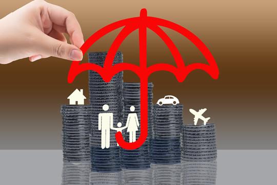 我们的一生要买多少保险...
