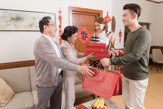 父母都是个体户无养老保险,如何给父母养老?
