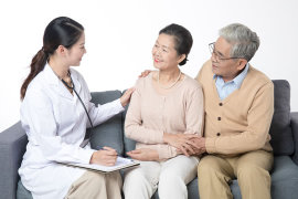 给老人买保险难在哪?要关注哪几个点?推荐的险种
