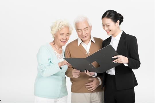 该如何给无养老保险的父母买保险养老?