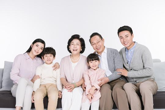 家庭主要经济支柱如何配置保险?