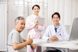 老人有必要买防癌险吗?