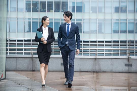 女性和男性的重疾险怎么买?