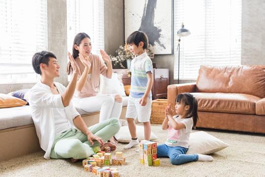 不同家庭怎么选保险?