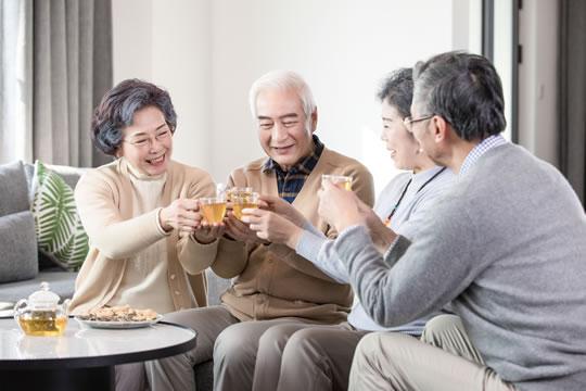 老人如何配置保险?